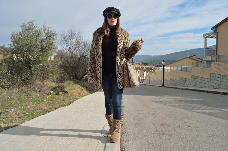 lara-vazquez-madlula-style-fashion-leo-coat-black-brown-outfit