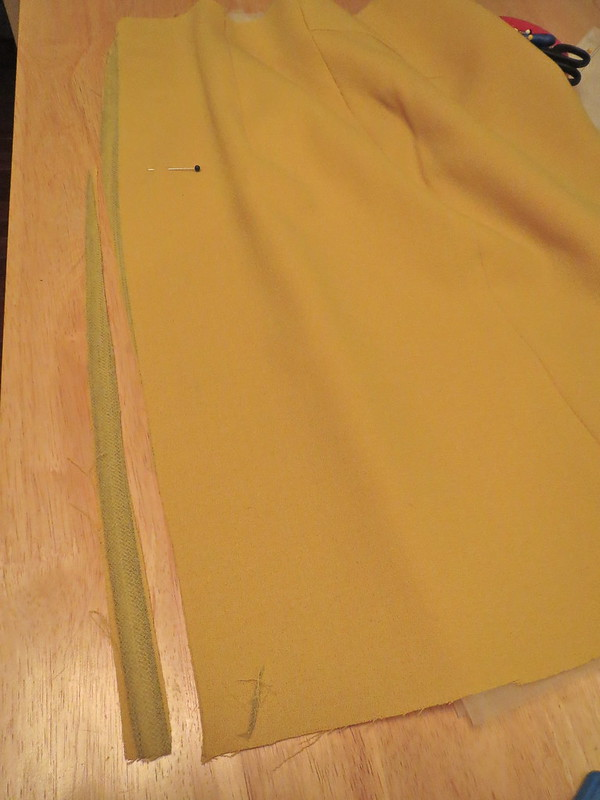 Shape Center Back Seam