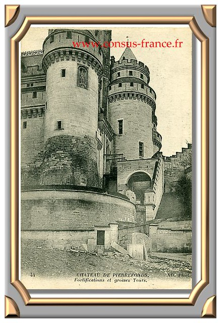 44 CHATEAU DE PIERREFONDS. ND. Phot. Fortifications et grosses Tours