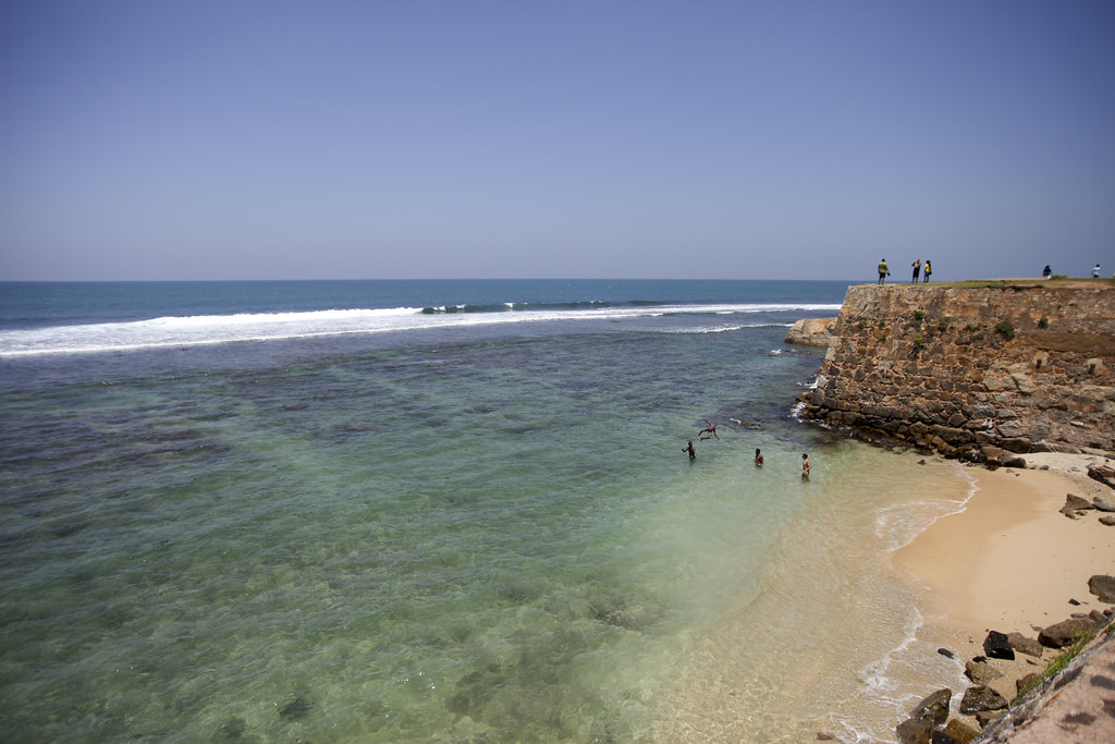 Galle remparts and sea
