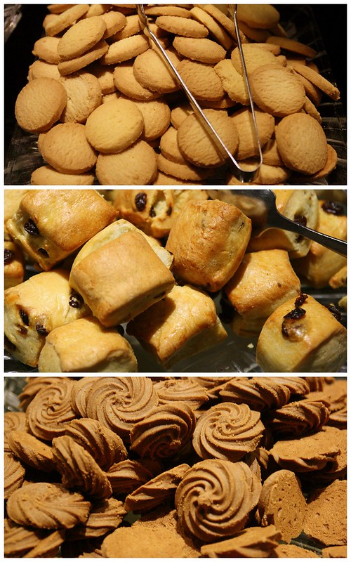 Vanilla cookies, raisin scones and chocolate cookies