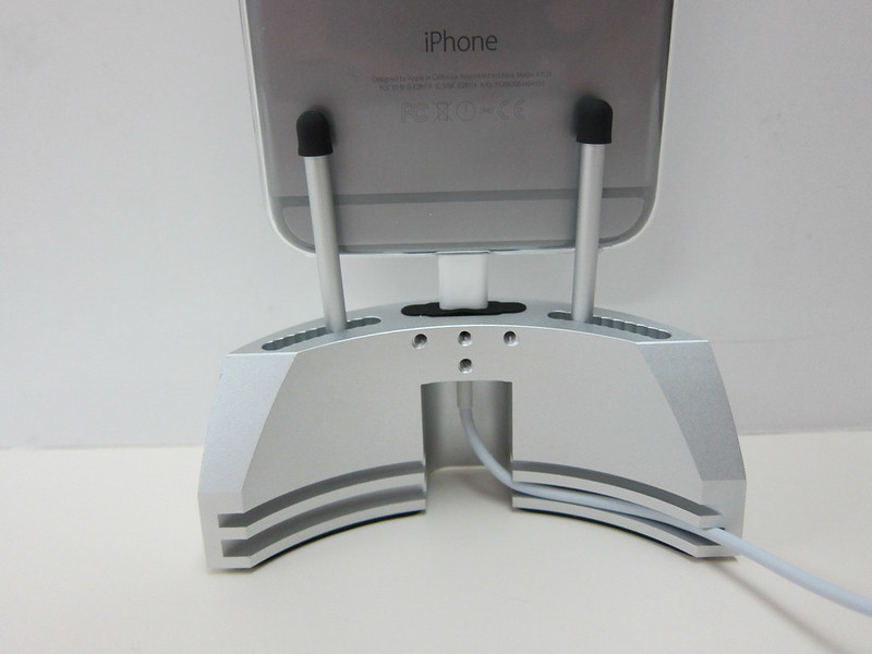 ARQ Dock 2.0 - Silver with iPhone 6 Plus