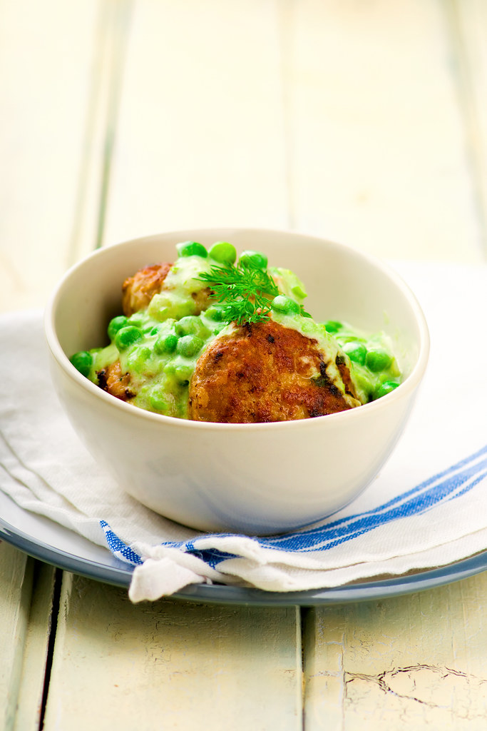 cutlets with sauce from peas