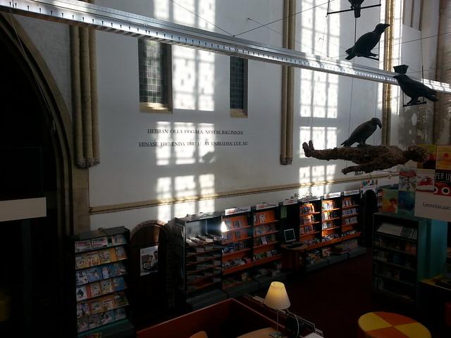 Boekenplog bibliotheek zutphen in de broederenkerk vakblog - Muur bibliotheek ...