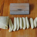 Taralli - making