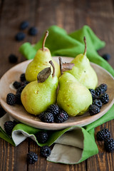 Pears and blackberries (365)
