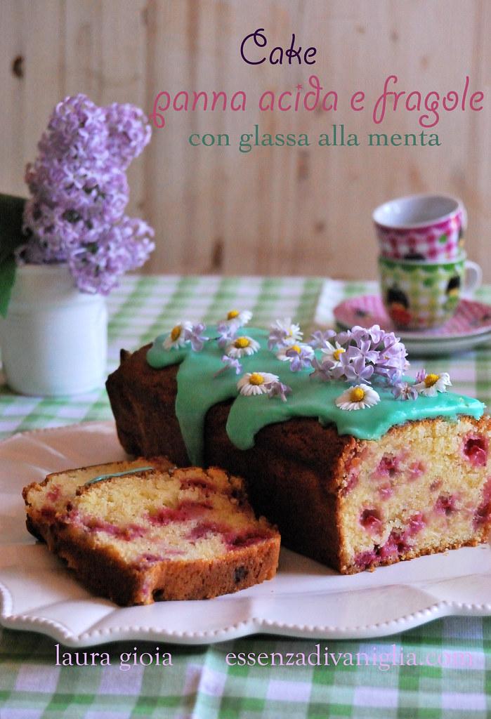 cake panna acida e fragole