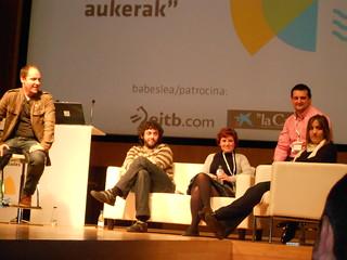 Mesa redonda: Negocio, euskara e Internet. EBE Euskadi. Modera: Haritz Rodríguez [Tokitan].