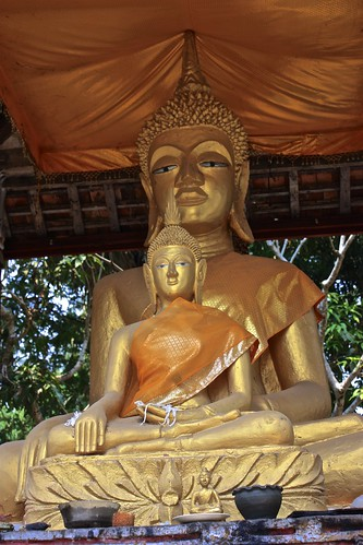 Big Buddha, little Buddha