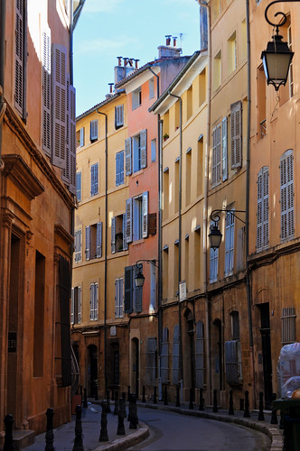 street city france geotagged town europe façades facades aixenprovence provence rue ville narrowstreet geo:lat=4352965374195424 geo:lon=5449027776685398