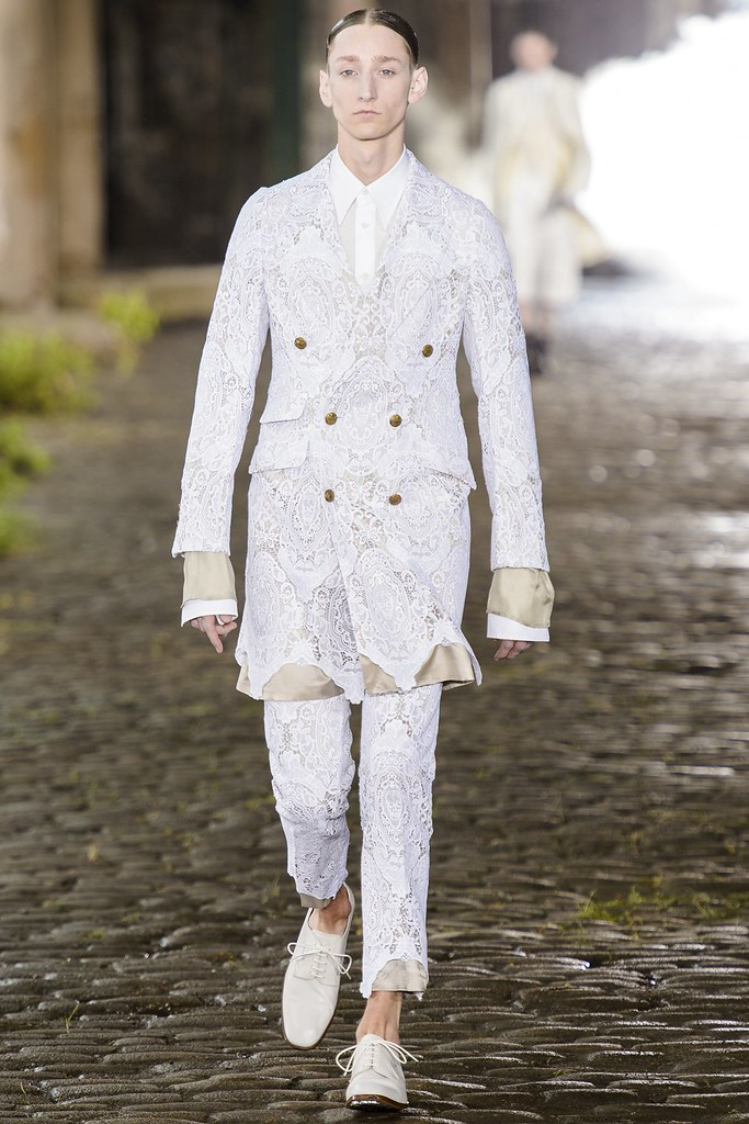 SS14 London Alexander McQueen001_Tom Gaskin(vogue.co.uk)