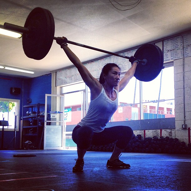 Christina is a snatcher. 4 months ago she struggled with this weight. Today, clearly not. #crossfit #crossfitgirls #crossfitwomen #snatches #womenofcfla #progress #stickthelanding