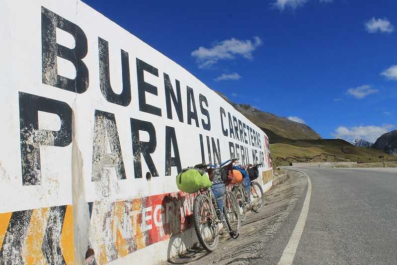 Buenas Carreteras Para un Peru Mejor