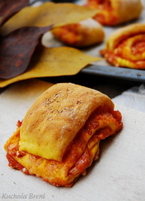 Pizza rolls na cieście dyniowym