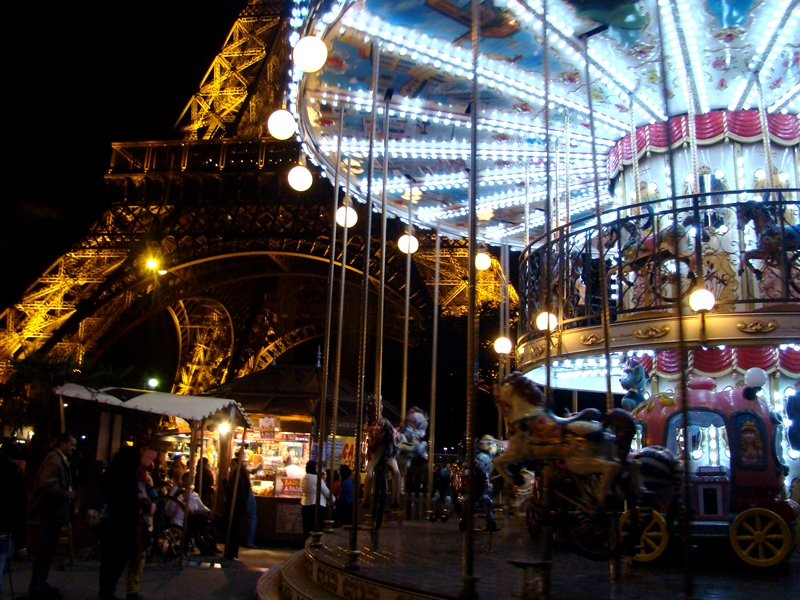 Carousel Eiffel Tower