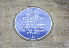 Photo of Nigel Gresley blue plaque