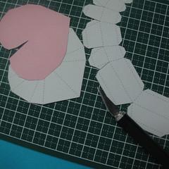 วิธีทำของเล่นโมเดลกระดาษรูปหัวใจ 002