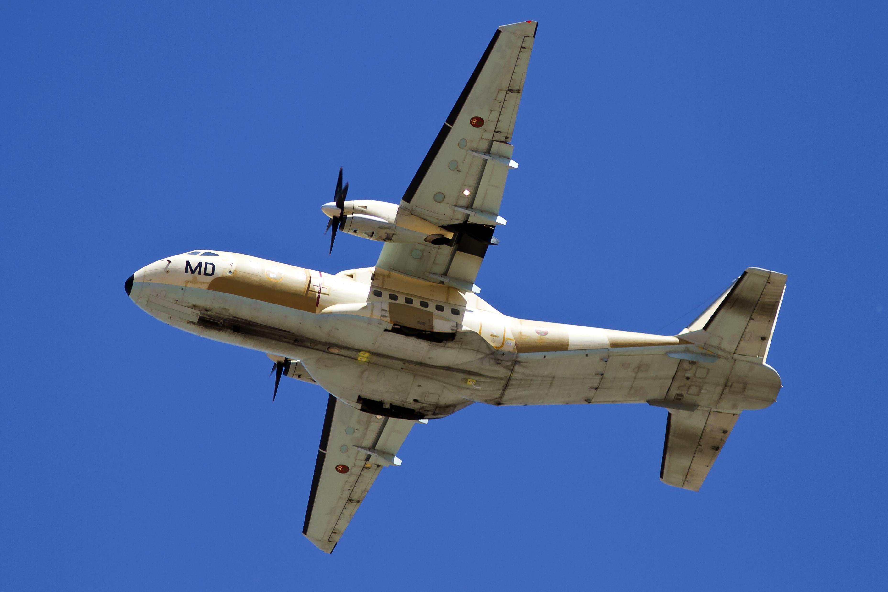 طائرات النقل العاملة بالقوات المسلحة المغربية 14152596123_f9d6b67952_o