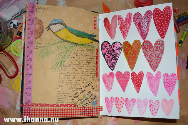 Finished Art Journal spread: Blåmes och hjärtan