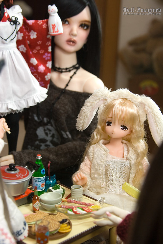 Playing with Dolls, Extras (1 of 3)