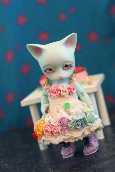 Rose kitten