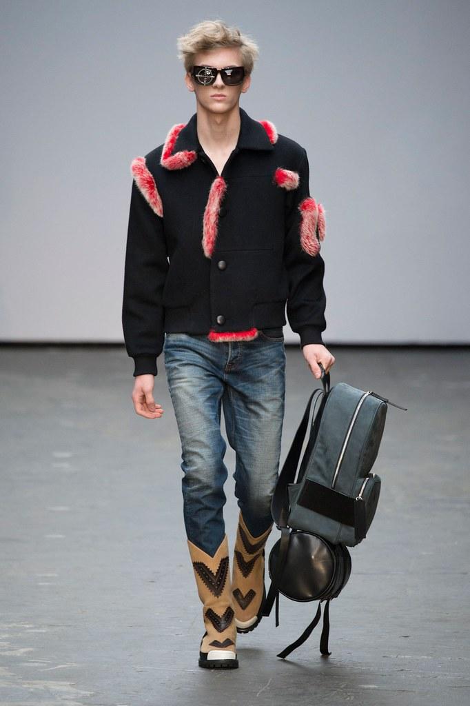Dominik Sadoch3222_FW15 London Xander Zhou(fashionising.com)