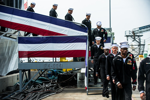USS Vandegrift Bids Farewell After 30 Years of Naval Service