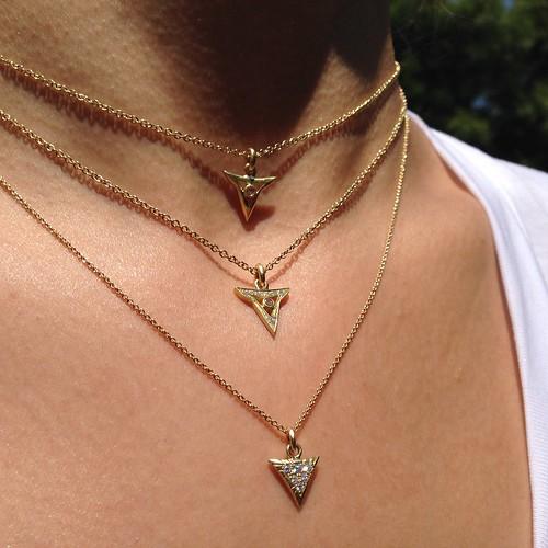 LKFJ_Seabeast_pendants18Y_02