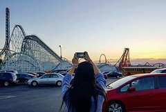 Magic Mountain sunset. ☀️🎢🌄 #magicmountain #sixflags #losangeles #rollercoaster #asian #sunset #vista 📷 by @waymaker of me 📷 #inception