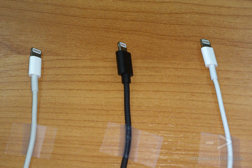 Apple Lightning Cables Comparison