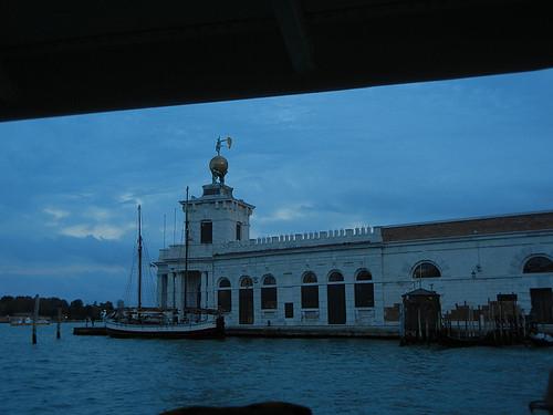 DSCN2447 _ Punta della Dogana, Venezia, 14 October