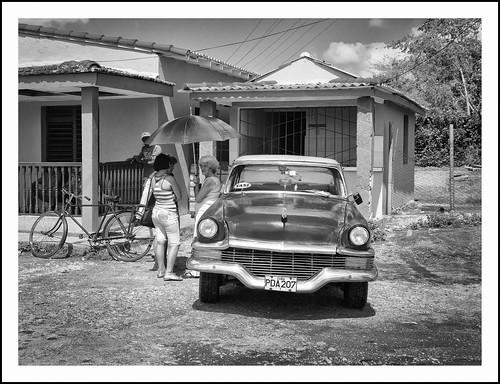 auto in Cuba (1) by hans van egdom