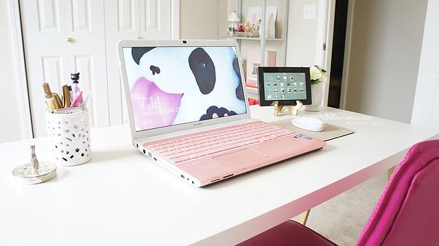Beauty Room - Desk