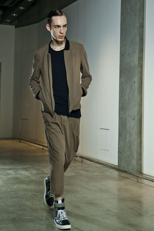 SS14 Tokyo KAZUYUKI KUMAGAI025_Milo Spijkers(Fashion Press)