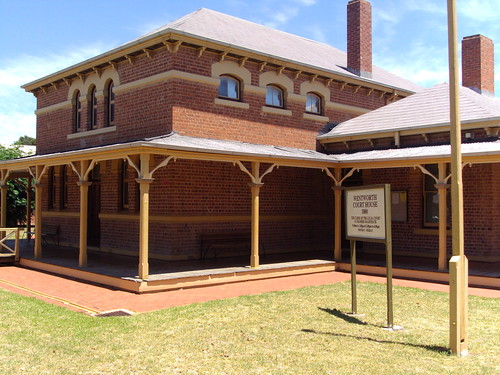 Wentworth Court House built in 1880. Fine slate roof, veranda for outback heat, good brick work.
