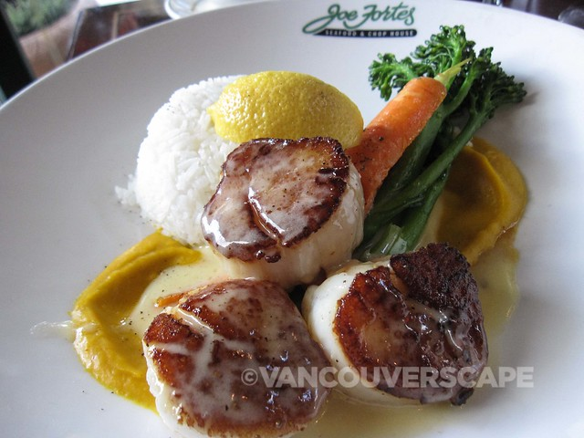 Joe Fortes jumbo Nova Scotia scallops