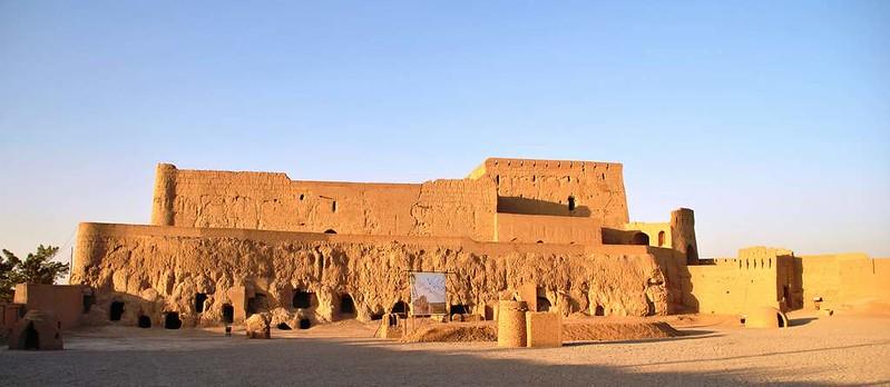 287 fortaleza en Meybod (2)