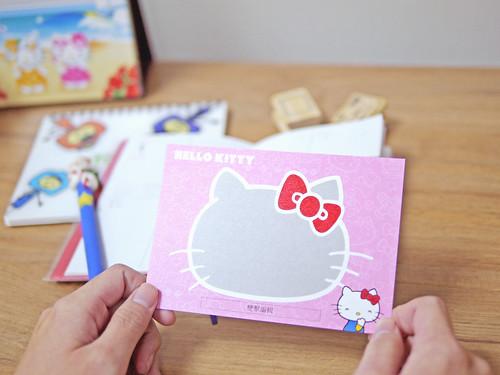 Hello Kitty明信片上市囉