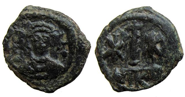Byzantine Coins 2014 - Page 2 12536708713_f3a4d37404_z