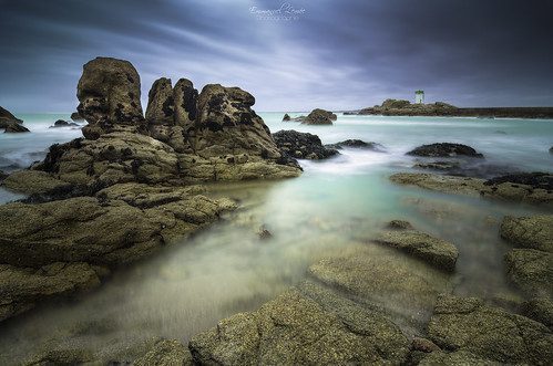 longexposure sea france beach photoshop nikon europe raw bretagne atlantic breizh tokina filter armor pointe plage phare 1224mm hdr emmanuel lightroom bzh finistère filtre atlantique océan nd400 photomatix trévignon poselongue lemée trégunc d7000 pecoreproduction