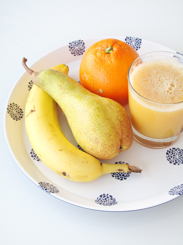 Centrifugato di pera, banana e arancia