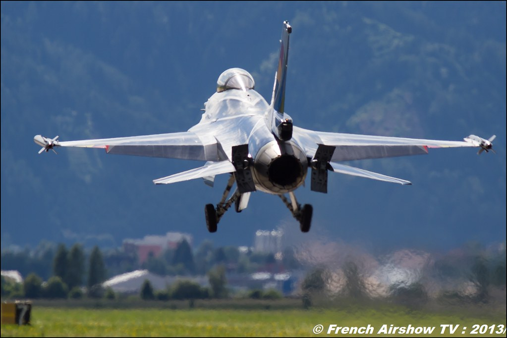 F-16 Belge Solo Display at Airpower 2013