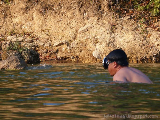 Vang Vieng Tubing 12 Nam Song Swimmer