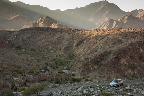 camping exploring uae tent landrover discovery wadi unitedarabemirates fujairah lr4 wadisahm