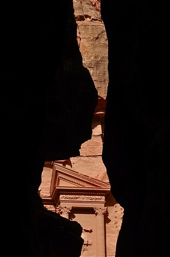 ancienthistory petra treasury siq middleeast unescoworldheritagesite jordan historicalsite ancientruins thetreasury redsandstone ancientcity ancientcivilizations traderoute ancienttraderoute tradingcaravans jordanshistory jordanshistoricalsites