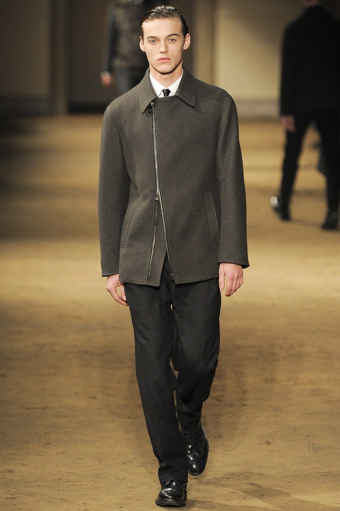 Robbie Wadge3669_1_FW14 Milan Corneliani(VOGUE)