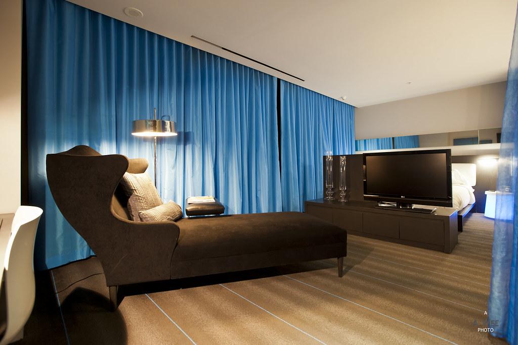 Open concept suite