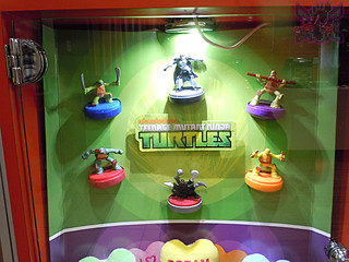 "McDonald's Happy Meal :: ""TEENAGE MUTANT NINJA TURTLES & Sweethearts"" / In-store display ii (( 2015 ))"