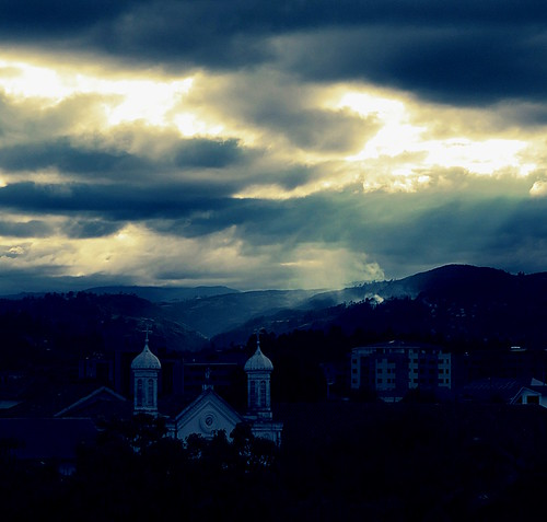 blue sunset sunlight church clouds canon ecuador cityscape dusk powershot hills cuenca sx700