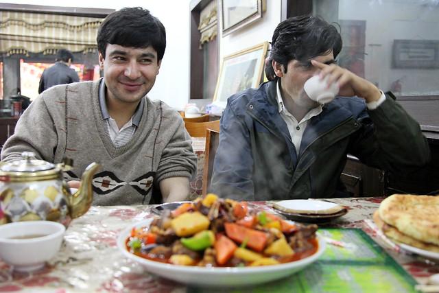 Dinner at an Uyghur restaurant in Urumqi ウルムチでの夕食